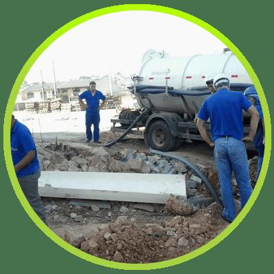 Caminhão de Serviço da Desentupidora Hidro Curitiba