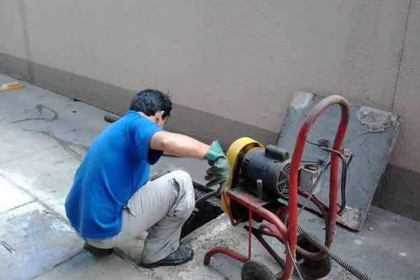 Desentupimento de esgoto Abranches em Curitiba