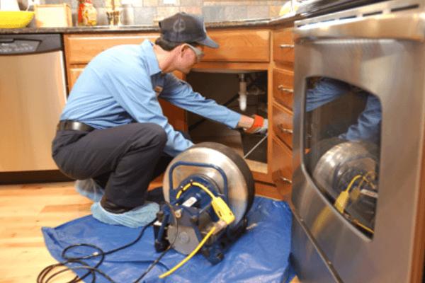 desentupimento de pia de cozinha em curitiba