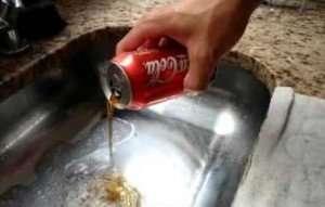 Como Desentupir Esgoto com Coca Cola