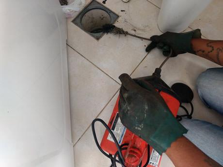 Maneiras ecológicas de desobstruir um vaso sanitário