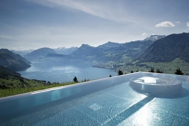 Como limpar piscina (Foto: Reprodução/Casa Vogue)