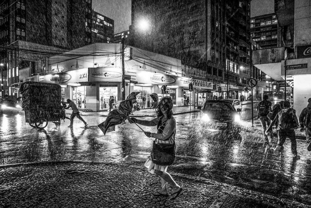"""Exposição """"Um Olhar, Uma Curitiba"""" ainda pode ser visitada no Ventura Shopping"""