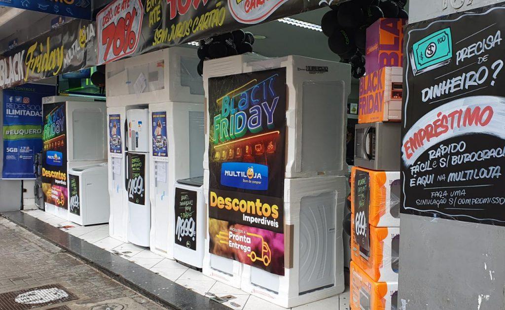 Movimento baixo nas lojas durante a Black Friday em Curitiba