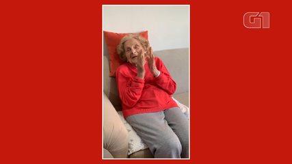 Avó de 106 anos comemora ao receber notícia dos quadrigêmeos